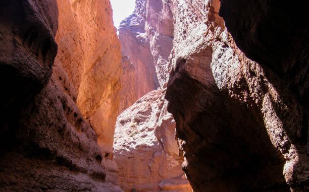 tianshan kuche mysterious grand canyon national geopark in kuqa county, xinjiang province, china - kuqa stock-fotos und bilder