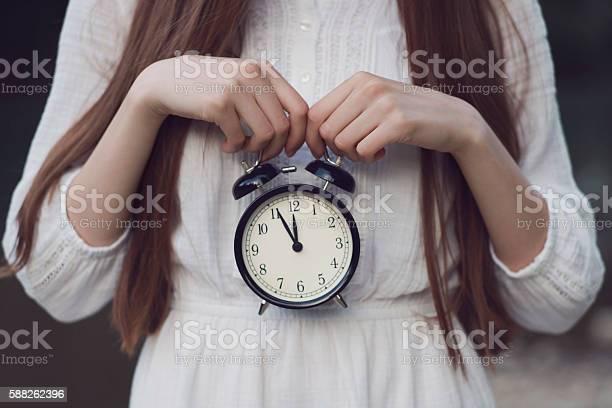 Ticking clock picture id588262396?b=1&k=6&m=588262396&s=612x612&h=0v6 myswvkd9a8wl 6sykxjha2lgnpc6hwyulewbkpe=