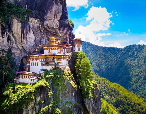 Tiger nest monastery, Taktshang Goemba, Paro, Bhutan Tiger nest monastery, Taktshang Goemba, Paro, Bhutan bodhisattva stock pictures, royalty-free photos & images