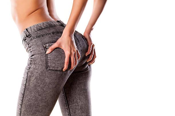 körpernahe jeans - enganliegende jeans outfits stock-fotos und bilder