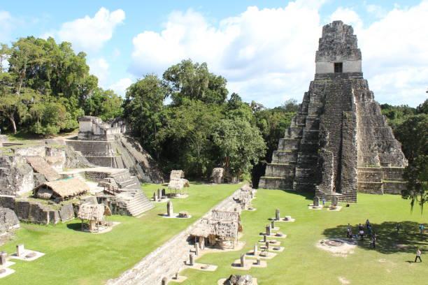 Tikal te deja sin palabras. - foto de stock