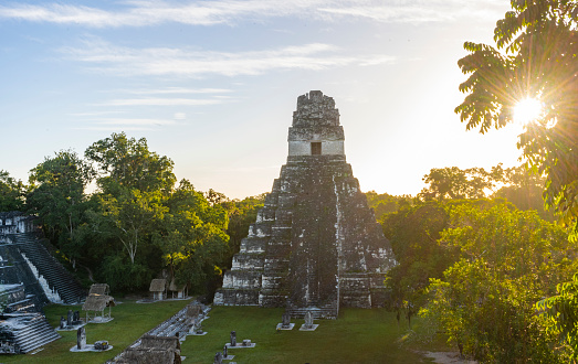 Pictures taken at sunrise and in the early morning in Tikal.