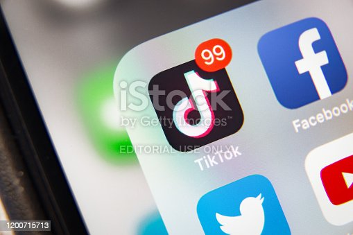 istock TikTok and Facebook application  on screen Apple iPhone XR 1200715713
