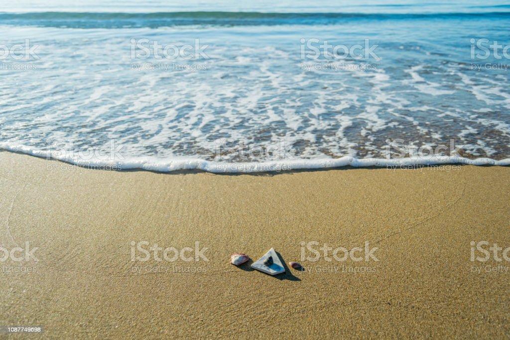 Tegel op een strand van San met surfen aan de zuidkust van de Italiaanse-mediterrane foto