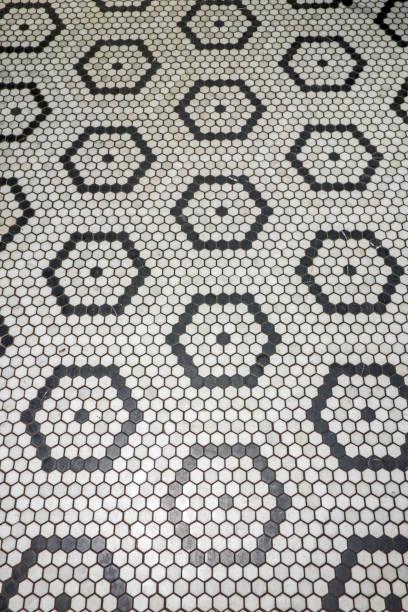 fliesenboden - badezimmer new york style stock-fotos und bilder