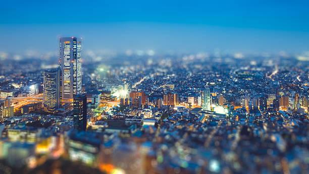 ティルト シフト 写真のように東京の建築照明 ストックフォト