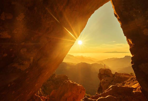 zeit für eine rast nach dem bergsteigen - canyon stock-fotos und bilder