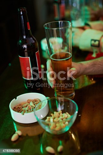 istock Time for beer 478388093
