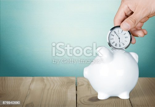 istock Time. 876940590