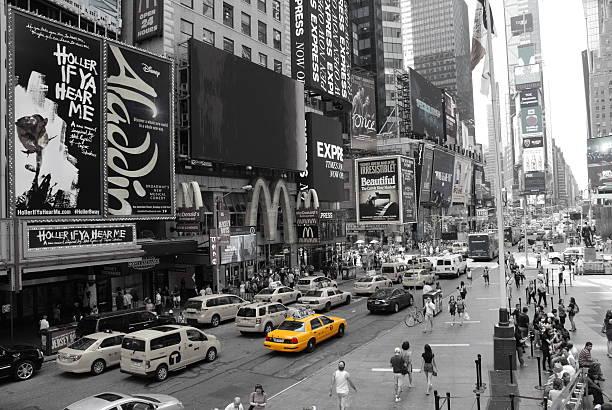 Time Square and Broadway at Manhattan, New York City - foto de acervo