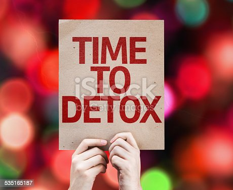 istock Time To Detox card with colorful background with defocused lights 535165187