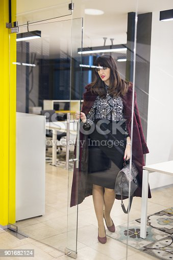 629805626 istock photo Time to go home 901682124