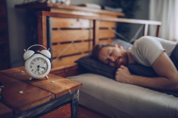 momento de disfrutar  - man sleeping fotografías e imágenes de stock