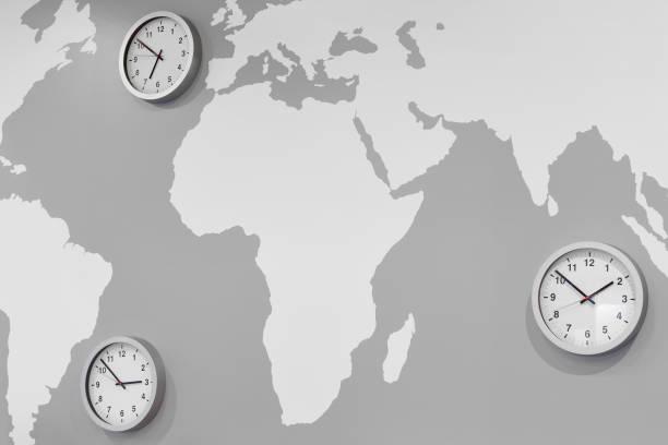 Zeitzonenuhren auf einer weltumschichtigen Karte. Globaler Handel – Foto