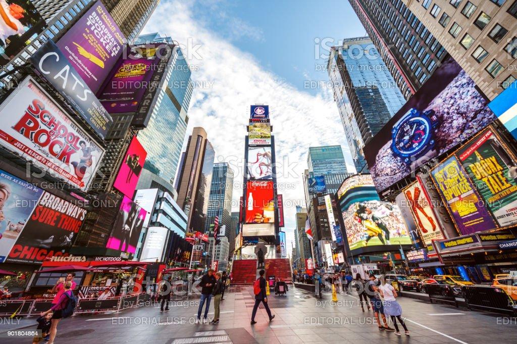 Times square 7ª av nova york manhattan midtown publicidade América pedestres - foto de acervo