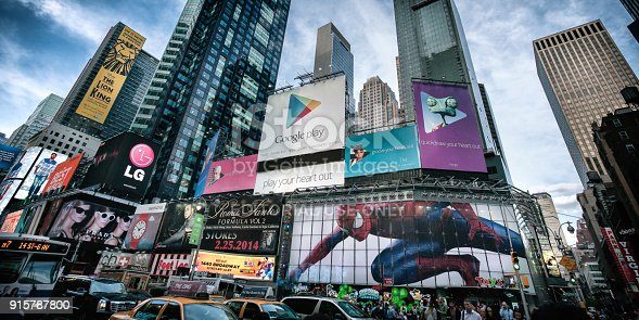 istock Times square 915787800