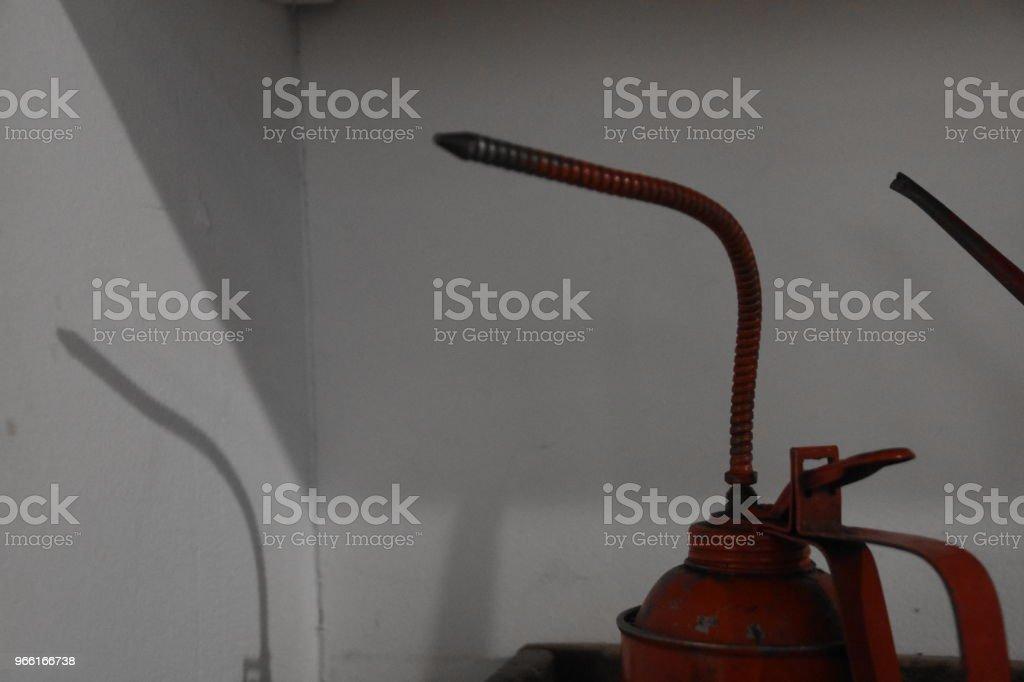 Tin Oil IN A Factory - Foto stock royalty-free di Affari finanza e industria