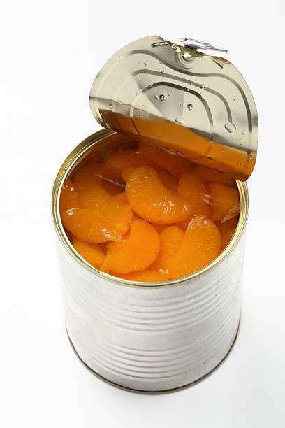 tin com tangerina - foto de acervo