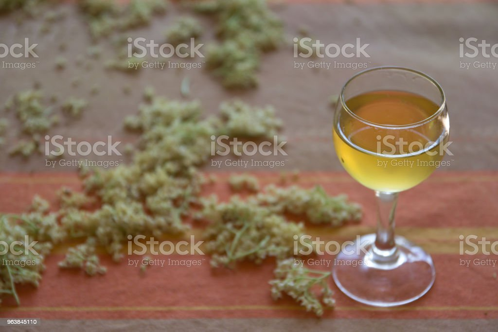 tincture of elder flowers - Royalty-free Alcohol Stock Photo