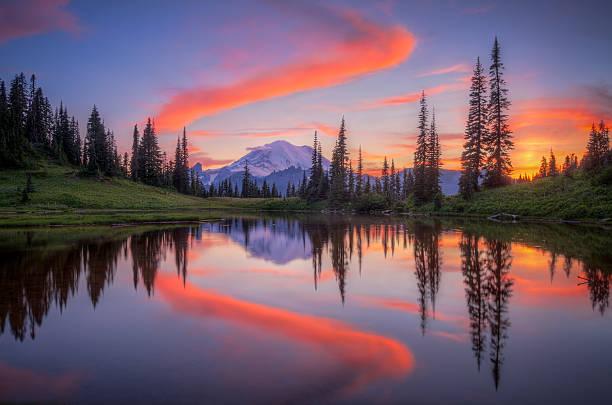 Tipsoo Lake Tipsoo Lake sunset pierce county washington state stock pictures, royalty-free photos & images