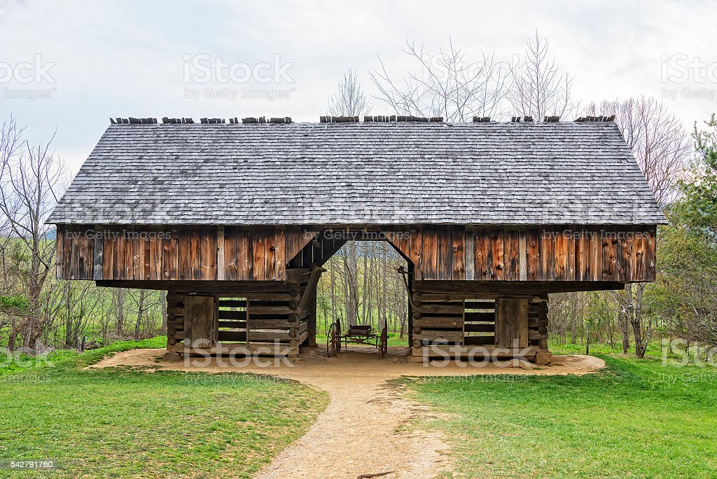 Tipton Place Barn  At Cades Cove stock photo
