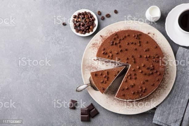 Tiramisu Cake With Chocolate Decoration On A Plate Grey Stone Background Top View Copy Space - Fotografias de stock e mais imagens de Bebida Alcoólica