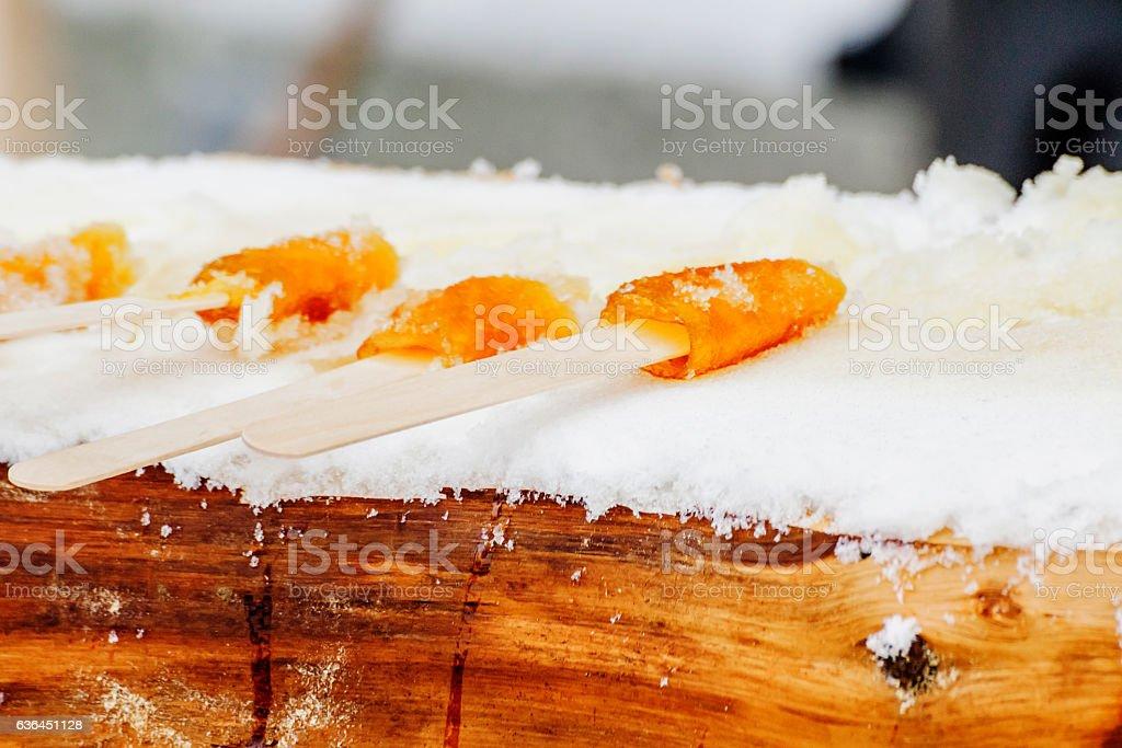 Tire sur la neige - Photo