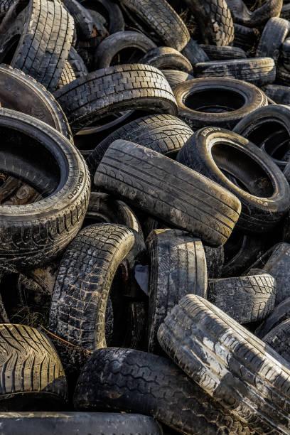 타이어 쓰레기 질감. 오래된 타이어 재활용 배경. 스톡 사진