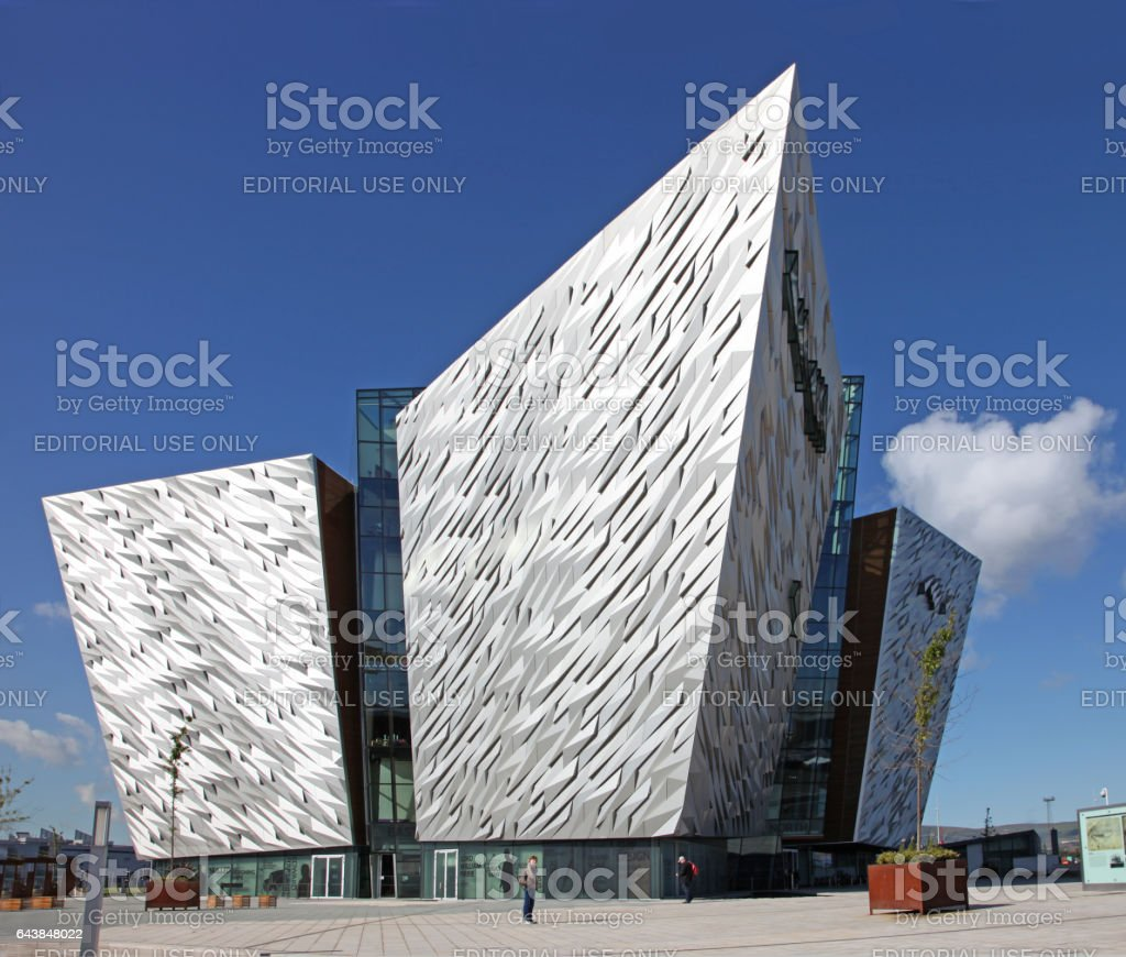 Museo Titanic Belfast - foto de stock