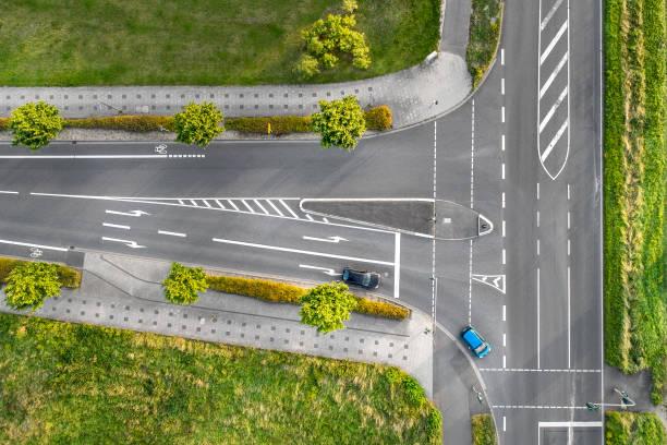 t-kreuzung, luftbild - radwege deutschland stock-fotos und bilder