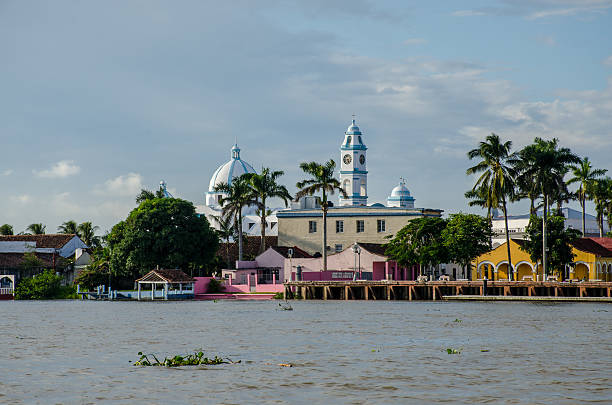 Tlacotalpan's Church View Tlacotalpan View from its river veracruz stock pictures, royalty-free photos & images