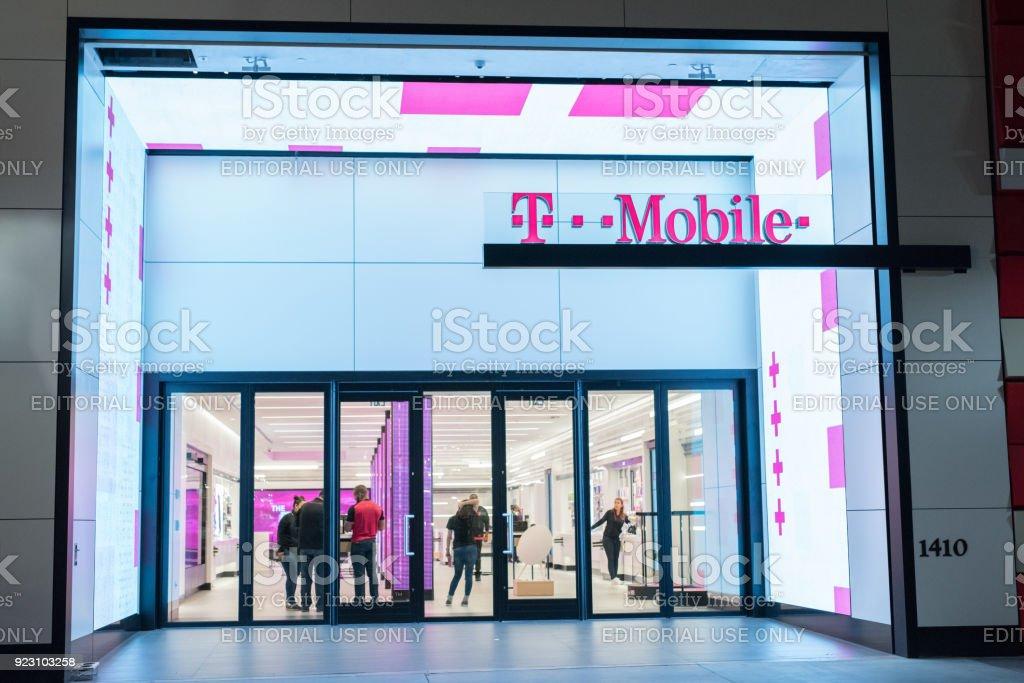 Tmobile Store In Santa Monica Stock Photo - Download Image