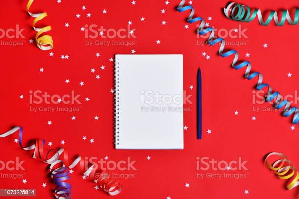 To do list notepad with christmas decorations on red background picture id1073225814?b=1&k=6&m=1073225814&s=612x612&h=3m uqt7 gfhn5xxnd4papeunghdigkhrdfjcosgsagg=