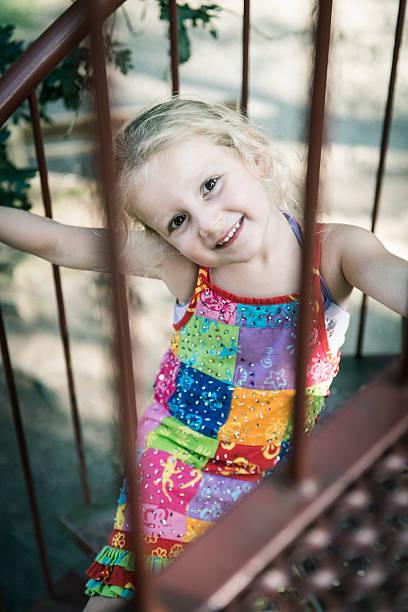 Zum Lächeln eines kleines Mädchen – Foto