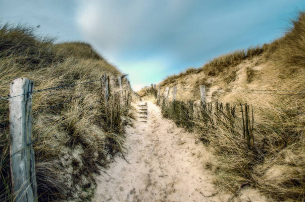 zum strand - sylt urlaub stock-fotos und bilder