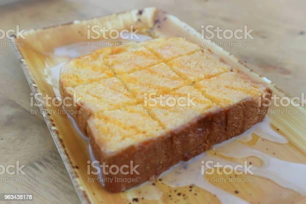 Tosty Lub Chleb Z Masłem I Śmietaną - zdjęcia stockowe i więcej obrazów Deser
