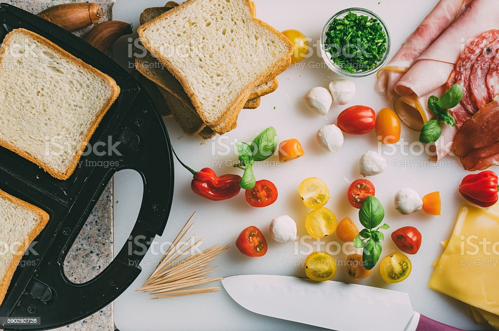 Toast sandwich preparation. royaltyfri bildbanksbilder
