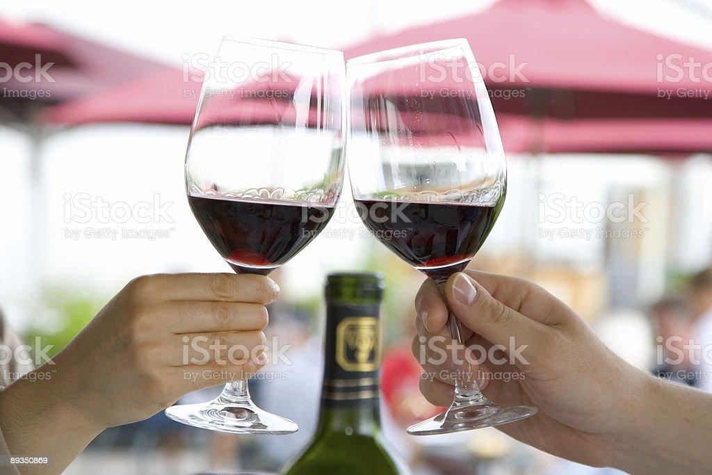 Toast mit Rotwein - Lizenzfrei Alkoholisches Getränk Stock-Foto