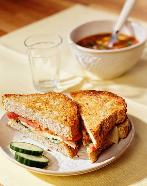 Gegrilltes-Käse und Tomaten-sandwich – Foto