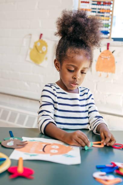 Enfant en bas âge et processus éducatif - Photo