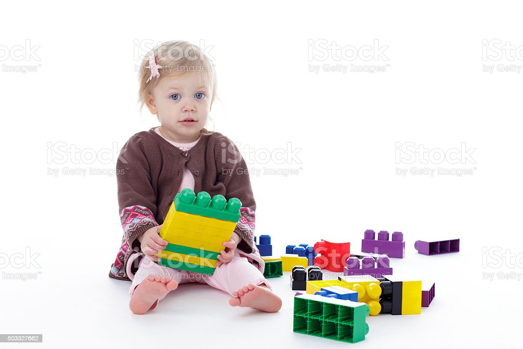 Fotografía de Niña Niño Jugando Con Bloques De Construcción De Color ...