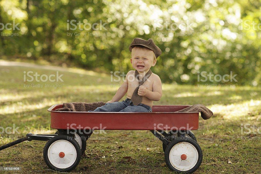 Kleinkinder – posieren In Wagon – Foto
