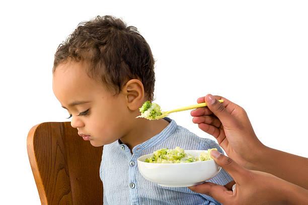 Bebê recusa para comer - foto de acervo