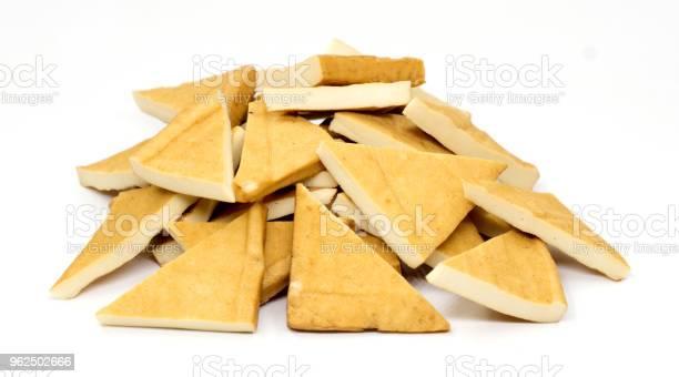 Foto de Tofu Isolada No Branco e mais fotos de stock de Alimentação Saudável