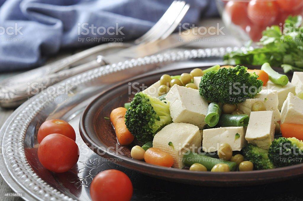 Tofu con verduras hervido - Foto de stock de Acero libre de derechos