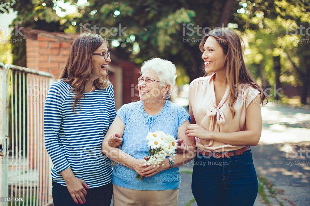 Juntos son más contentas - foto de stock