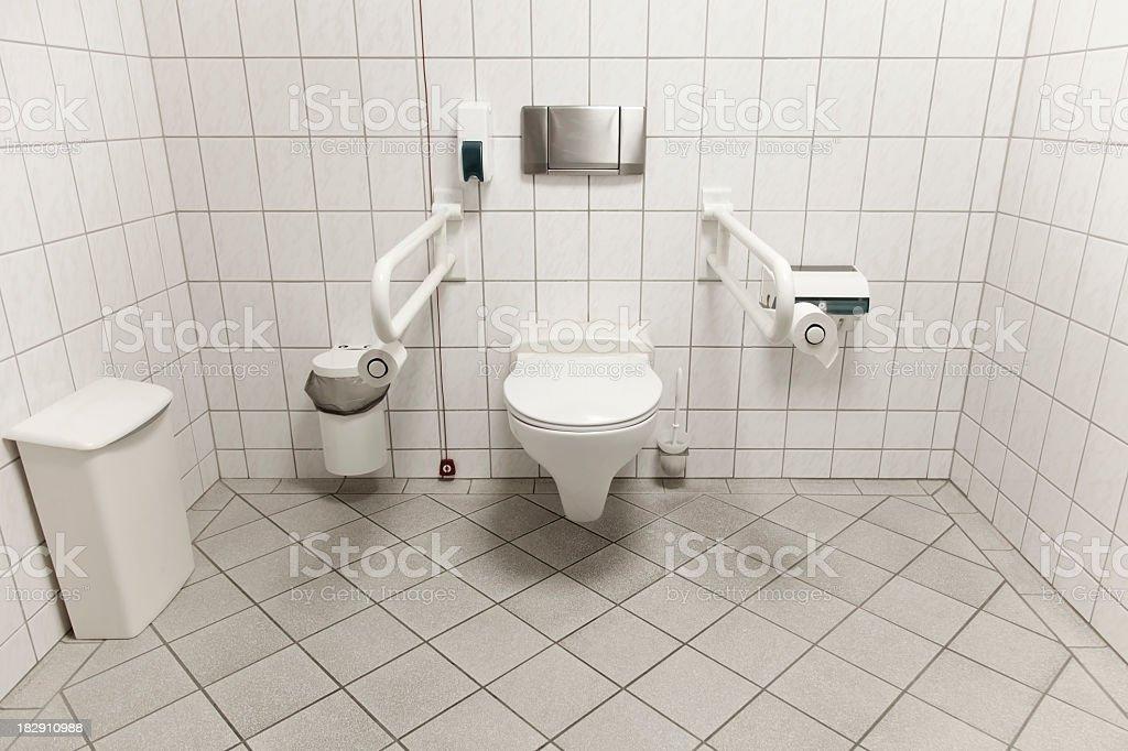 Toilette für Menschen mit Behinderungen – Foto