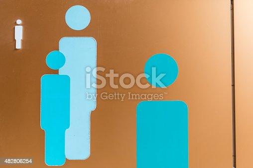 istock Toilet Sign 482806254