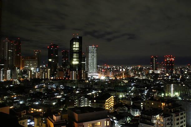 tokio bei nacht (japan) - jake*s stock-fotos und bilder