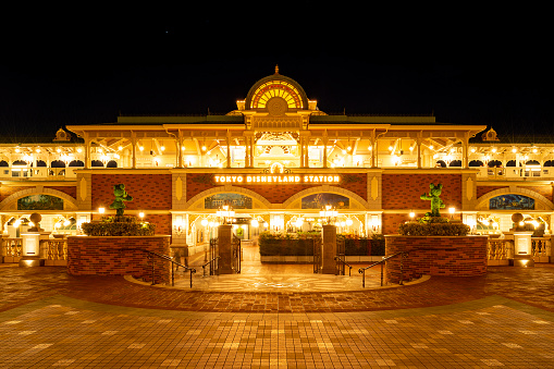 This station is located in front of Tokyo Disneyland's main entrance.\nThis photo was taken from the Disneyland Hotel side.